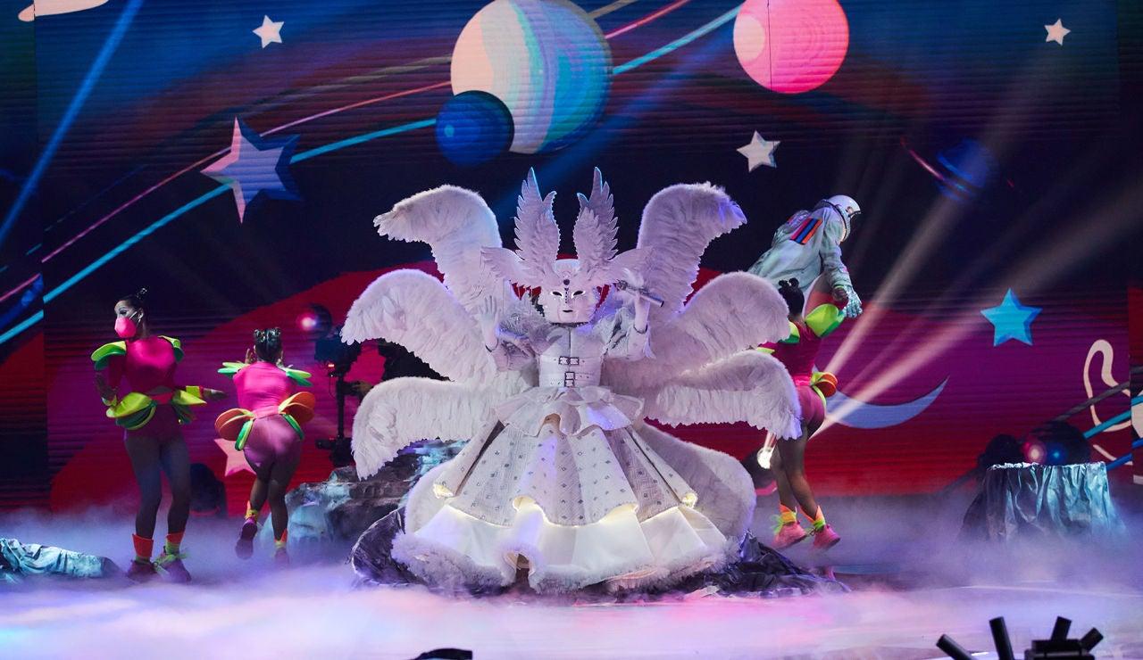 El Ángel convierte 'Mask Singer' en una fiesta al ritmo de 'Walking on sunshine'