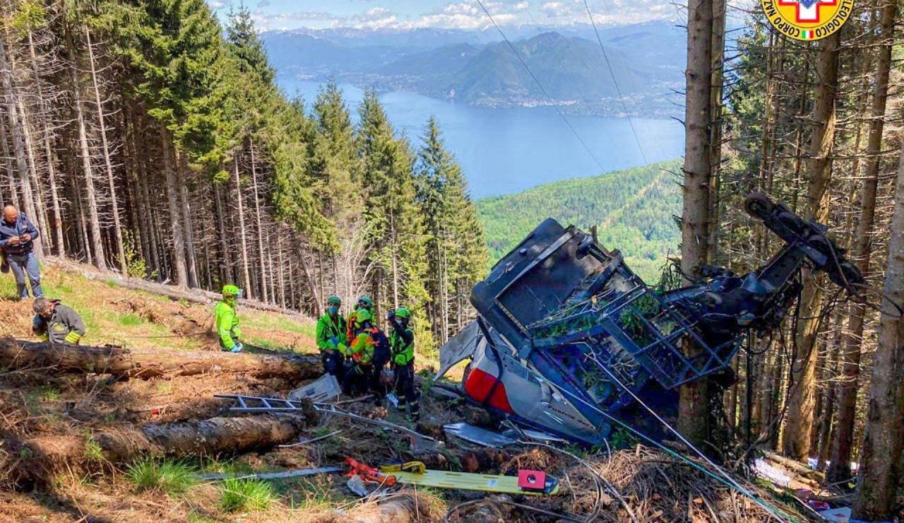 imagen del mortal accidente de teleférico en Italia