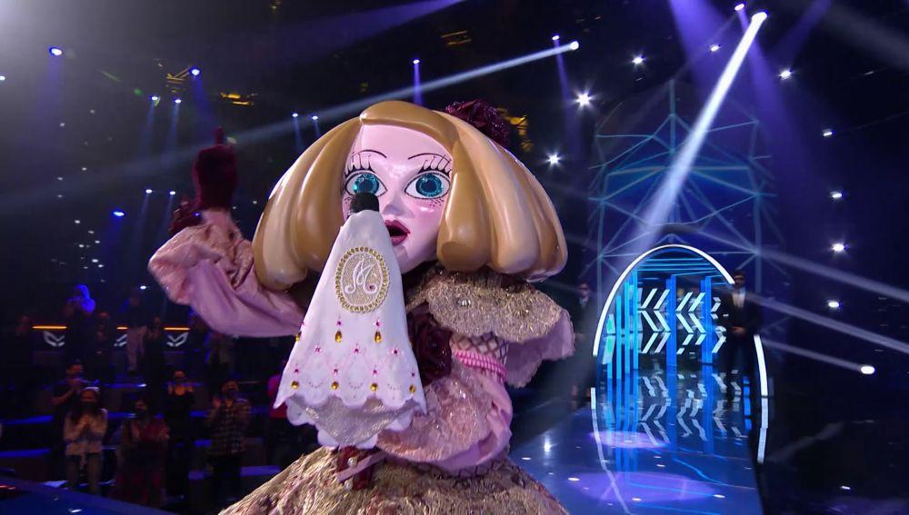 Menina defiende el tema 'Never really over' en el Duelo Final de 'Mask Singer'
