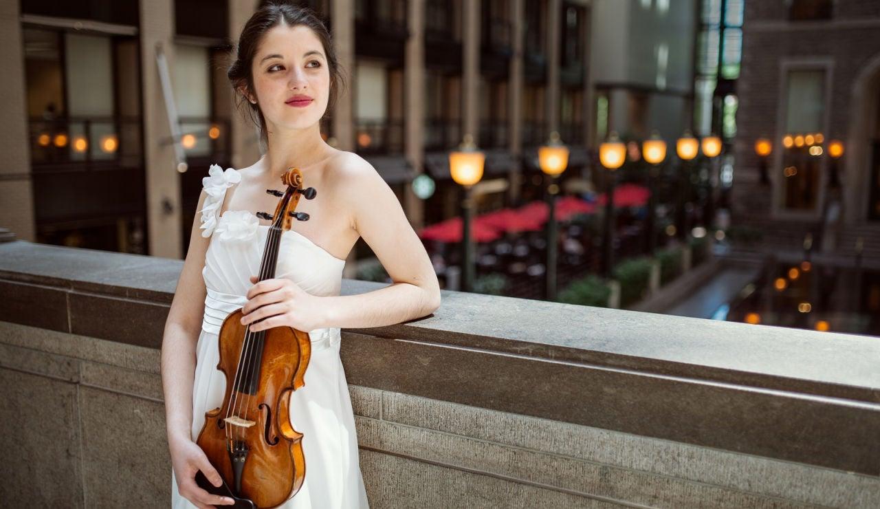 María Dueñas, violinista