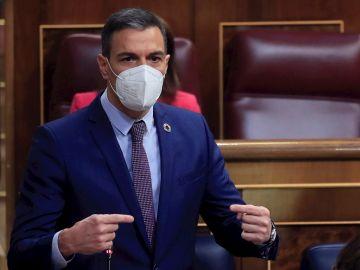 El presidente del Gobierno, Pedro Sánchez, durante su intervención en la sesión de control al Ejecutivo de este miércoles en el Congreso