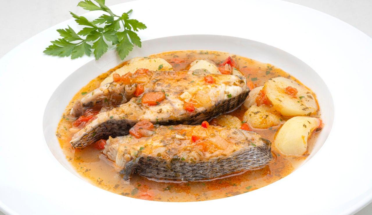 """La cazuela de Arguiñano para """"comer en familia"""": de sargo con patatas"""