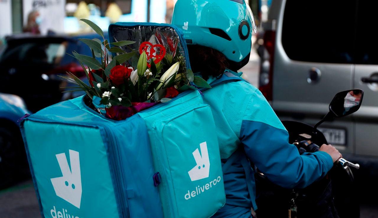 El Supremo confirma que los 'riders' de Deliveroo son falsos autónomos y rechaza el recurso de la compañía