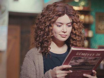 Sirin encuentra en una revista sobre Fazilet la clave para su siguiente maldad