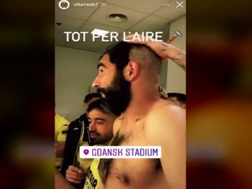 Del rapado de Albiol a las lágrimas de Rulli, así fue la fiesta del Villarreal tras ganar la Europa League