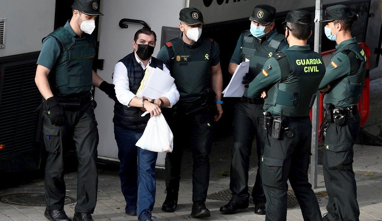 El acusado César Román, conocido como el Rey del Cachopo, a su llegada a la Audiencia Provincial de Madrid este jueves.