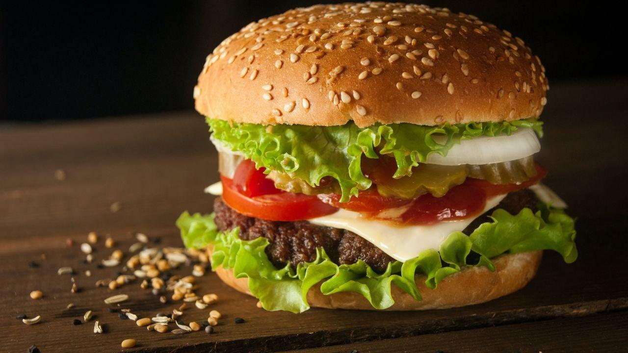 Día de la hamburguesa 2021: ¿Cuántas calorías tiene una hamburguesa casera?