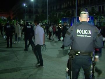 Desalojadas más de 5.500 personas por botellones y fiestas ilegales en Barcelona