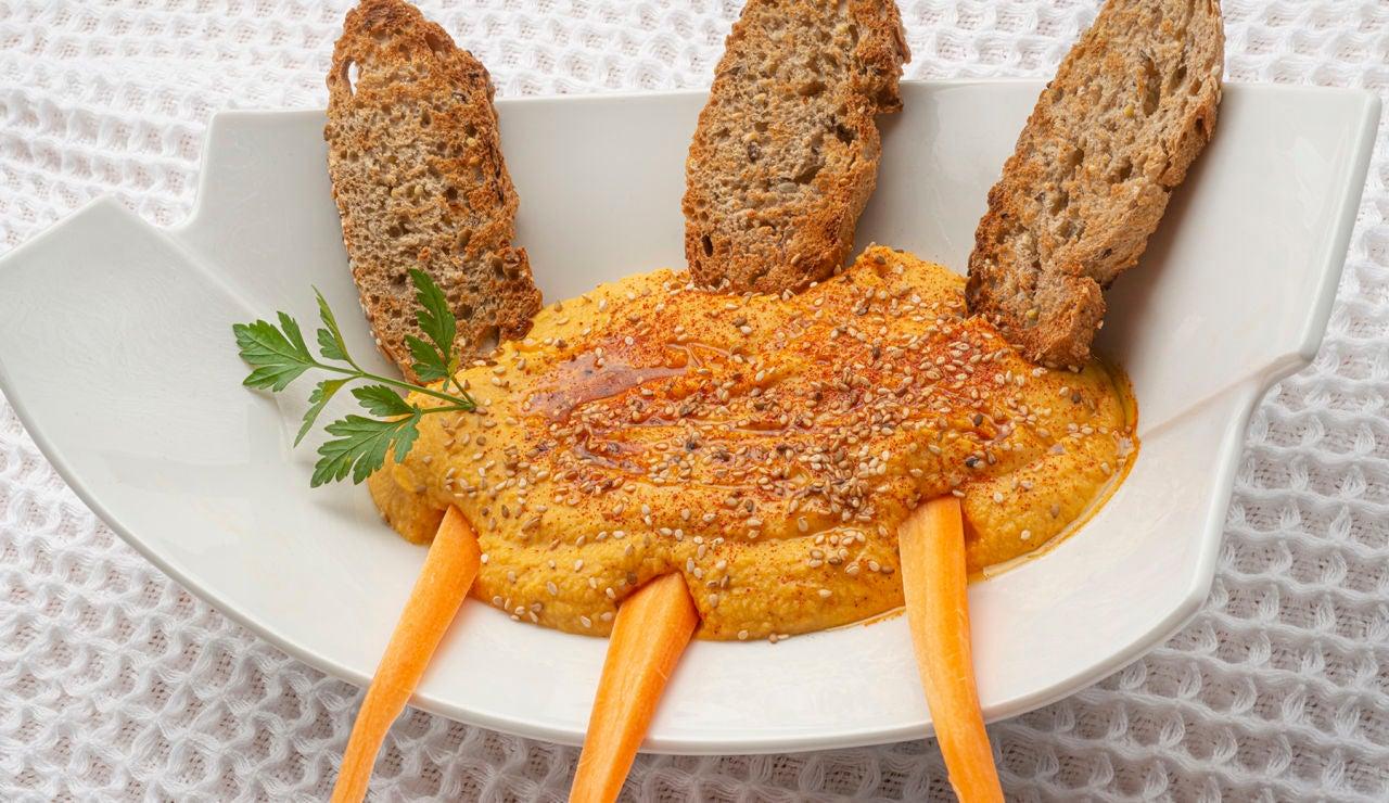 """Arguiñano elabora """"uno de los platos preferidos de los veganos"""": hummus de boniato"""