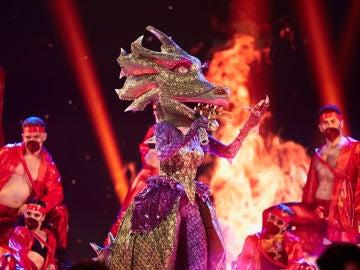 Dragona brilla en el plató con el pegadizo tema de 'Se iluminaba'
