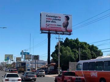 "Rocío Pino, la candidata mexicana a diputada que promete ""pechos gratis"""