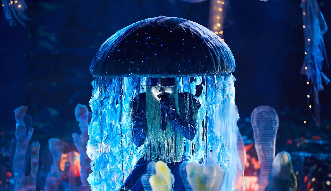Medusa se pone sentimental en 'Mask Singer' con 'You Gotta Be'