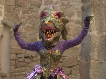 """La Dragona relata sus pistas sobre su """"castillo"""": """"Menudos fiestones han visto estos muros"""""""
