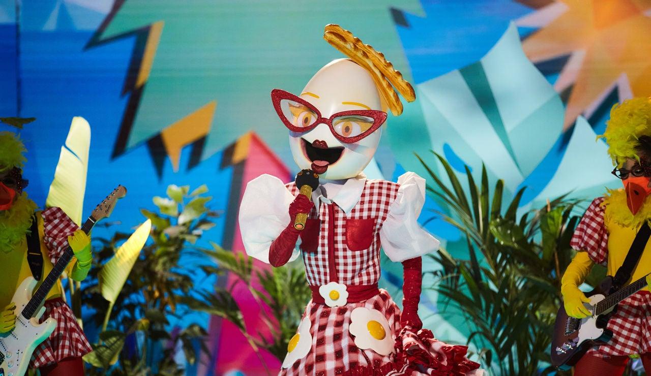 Huevo enamora a todos en 'Mask Singer' con 'Tenía tanto que darte'