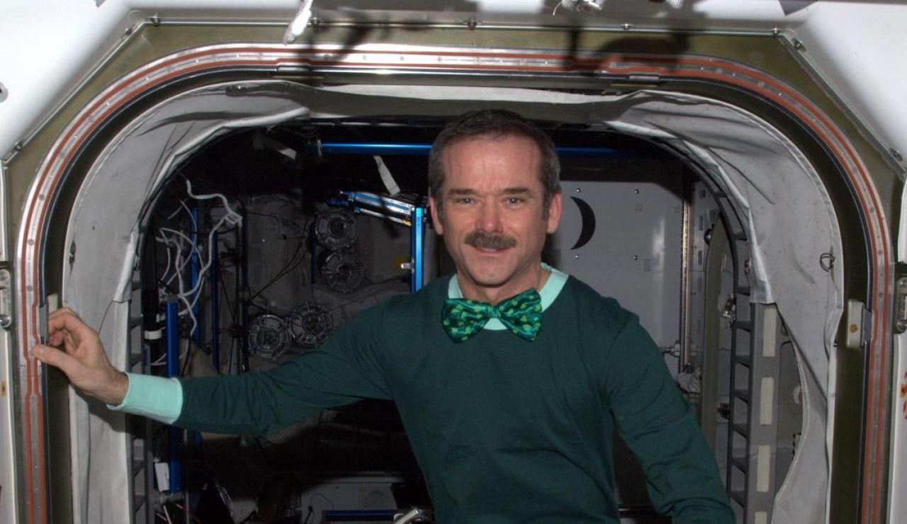 """El astronauta Chris Hadfield sobre los ovnis: """"No hemos encontrado vida salvo en la Tierra, pero la estamos buscando"""""""