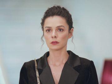 Bahar, en shock al descubrir quién es la misteriosa mujer aliada con Cem