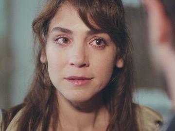 Emre comunica a Ceyda la noticia que tanto teme sobre Arda y la pone en una encrucijada