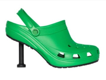 Nueva creación de la colaboración de Balenciaga y Crocs.