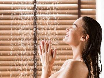 ¿Qué es lo mejor para tus zonas íntimas: jabón neutro o gel vaginal?