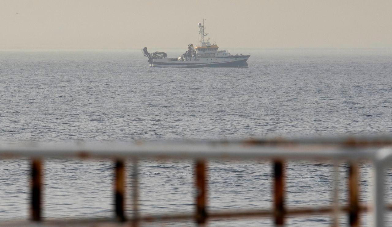 Buque oceanográfico busca a las niñas desaparecidas en Tenerife