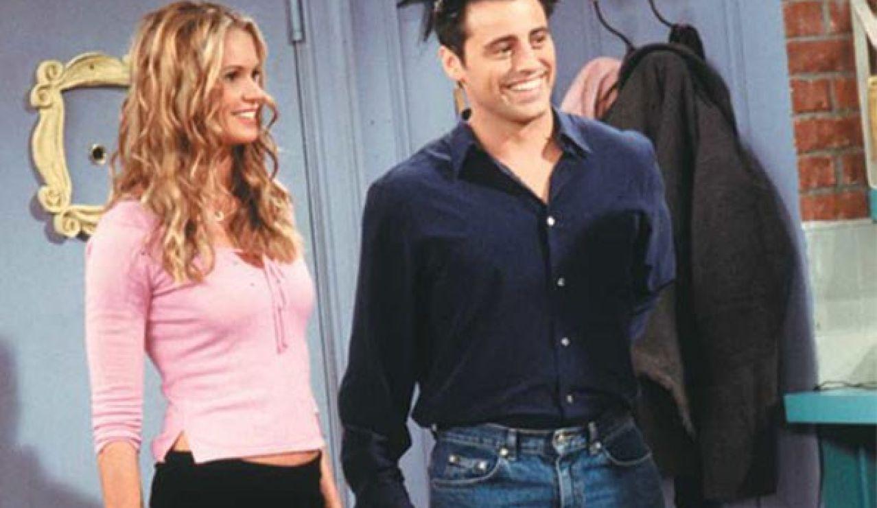 Elle Marpherson y Matt LeBlanc en 'Friends'