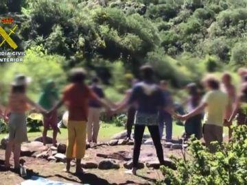 La Guardia Civil tramita 76 denuncias contra la Familia Arcoíris, el grupo hippies acampado en La Rioja