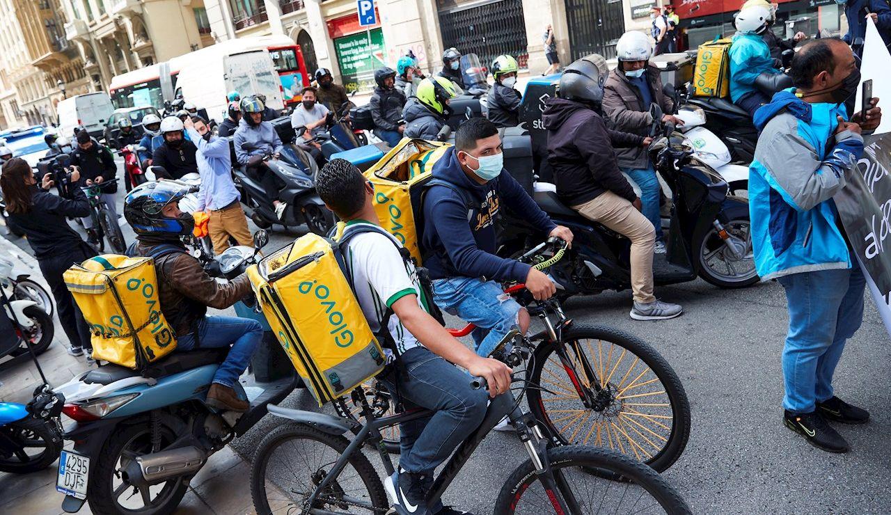 El Congreso vota este jueves la ley que obliga a contratar a los 'riders'