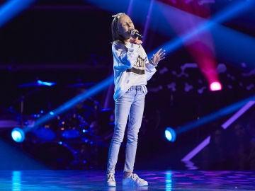 Luna Clerc canta 'New York State of Mind' en las Audiciones a ciegas de 'La Voz Kids'