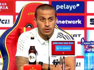 Thiago Alcántara en rueda de prensa