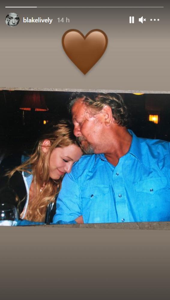 Blake Lively se despide de su padre