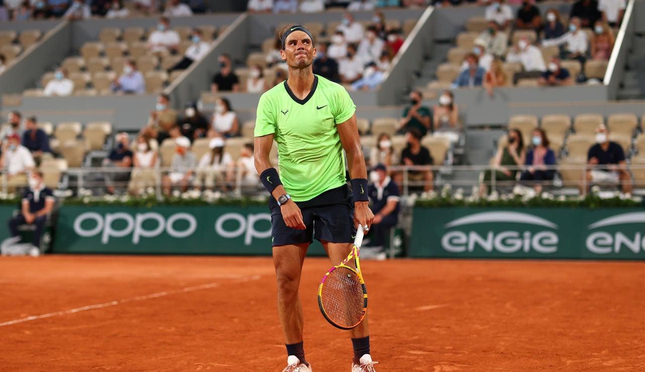 Nadal claudica ante un gigante Djokovic en un partido épico y cae eliminado en semifinales de Roland Garros