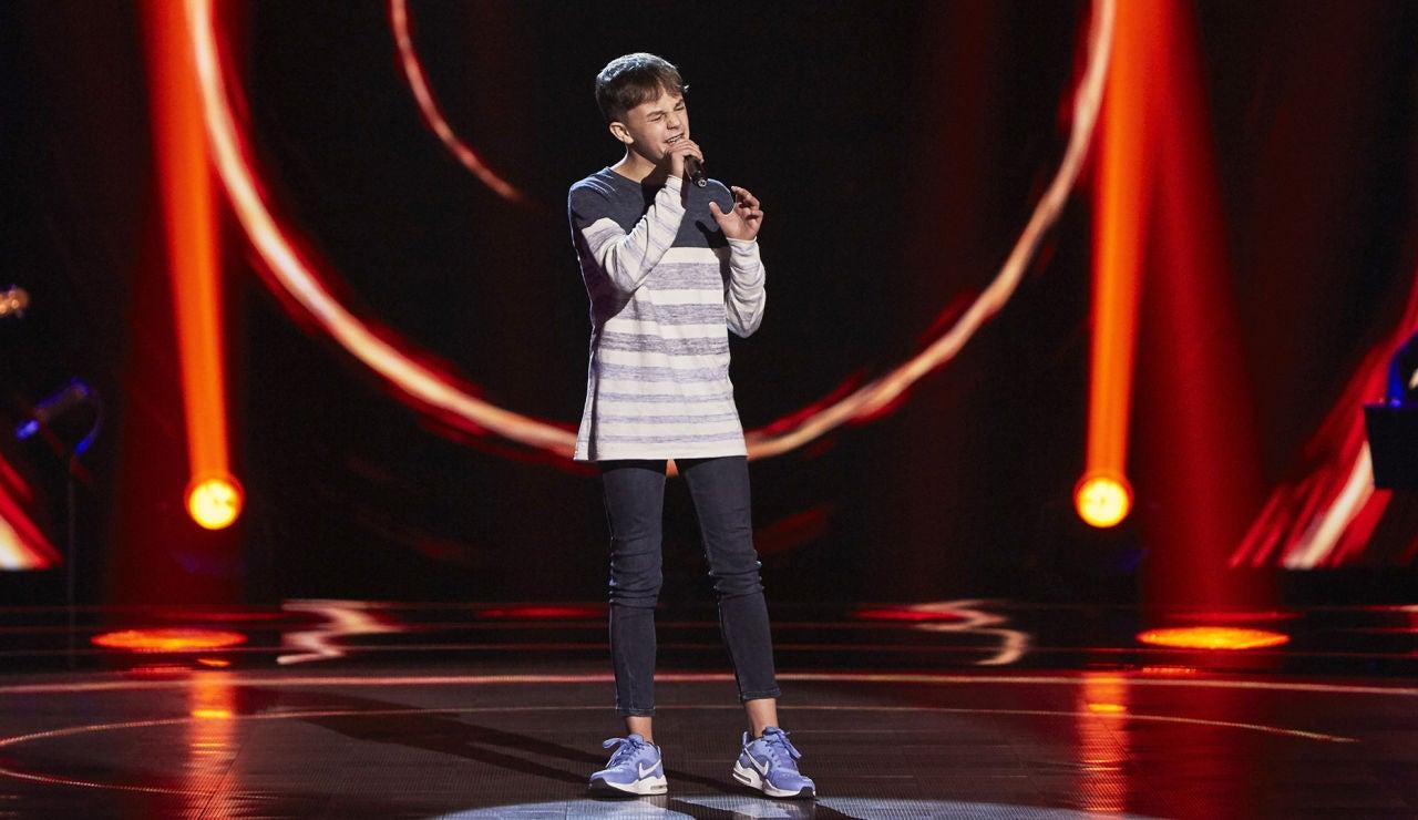 Alberto Negredo canta 'El sitio de mi recreo' en las Audiciones a ciegas de 'La Voz Kids'