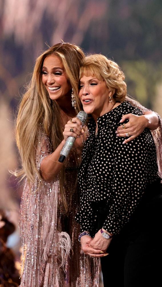 Jennifer Lopez y su madre Guadalupe Rodríguez