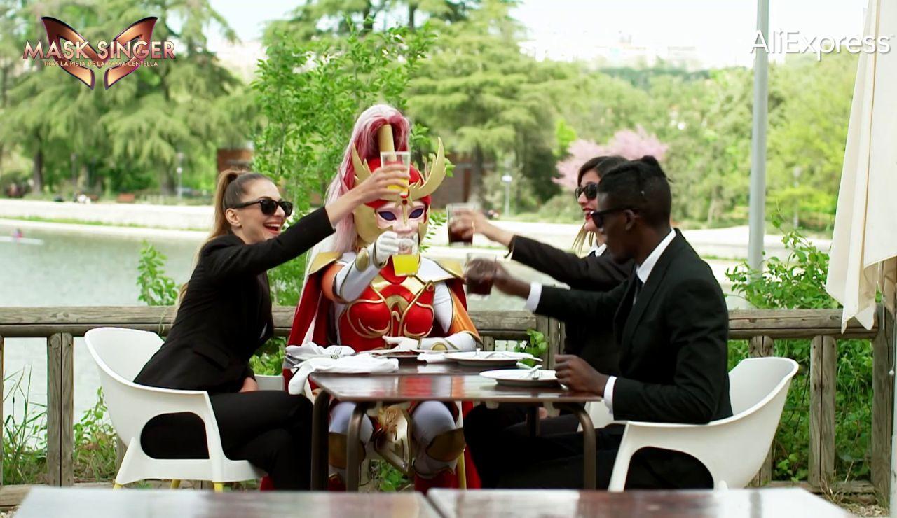 """Dama Centella: """"Disfrutar de una buena comida entre amigos es vital para mí"""""""