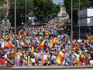 Manifestación contra los indultos al 'procés' en la Plaza de Colón