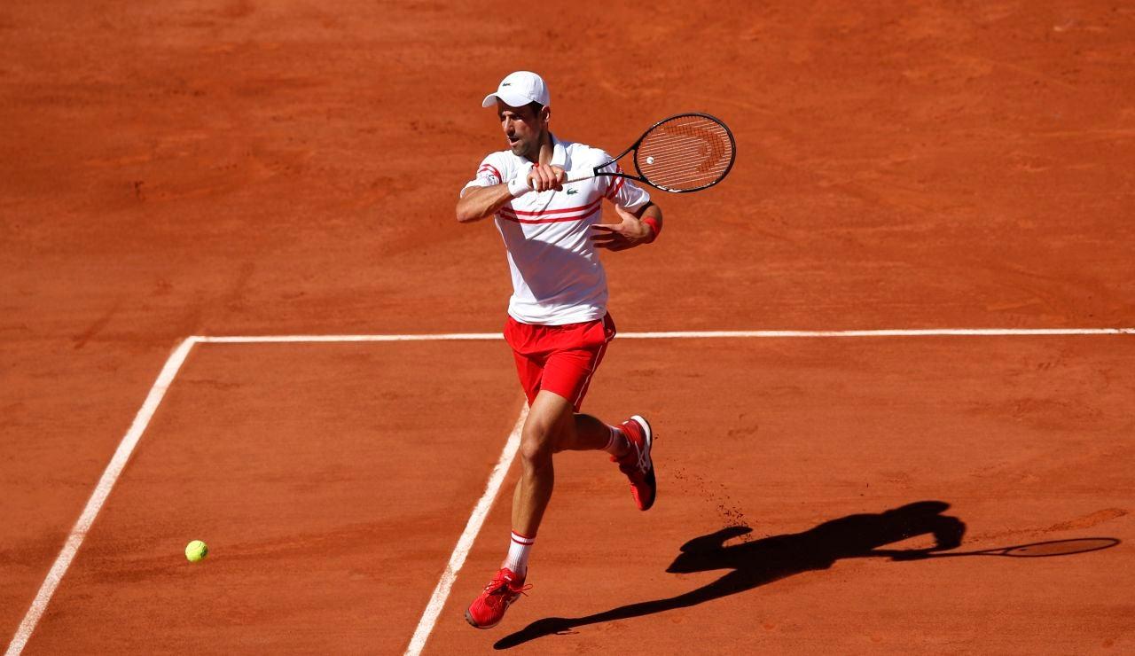 Djokovic remonta dos set a Tsitsipas y gana su segundo Roland Garros y el 19º Grand Slam de su carrera