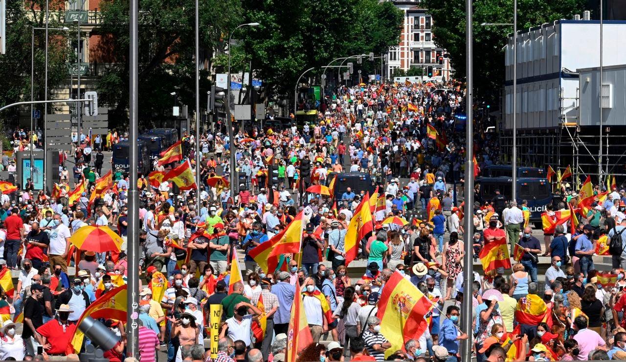 Unas 25.000 personas, según la Policía, se concentran en Madrid contra los indultos
