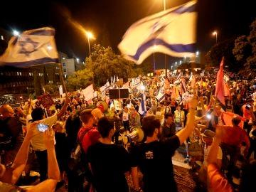 """El """"Gobierno del cambio"""" en Israel envía a la oposición a Netanyahu tras 12 años como primer ministro"""