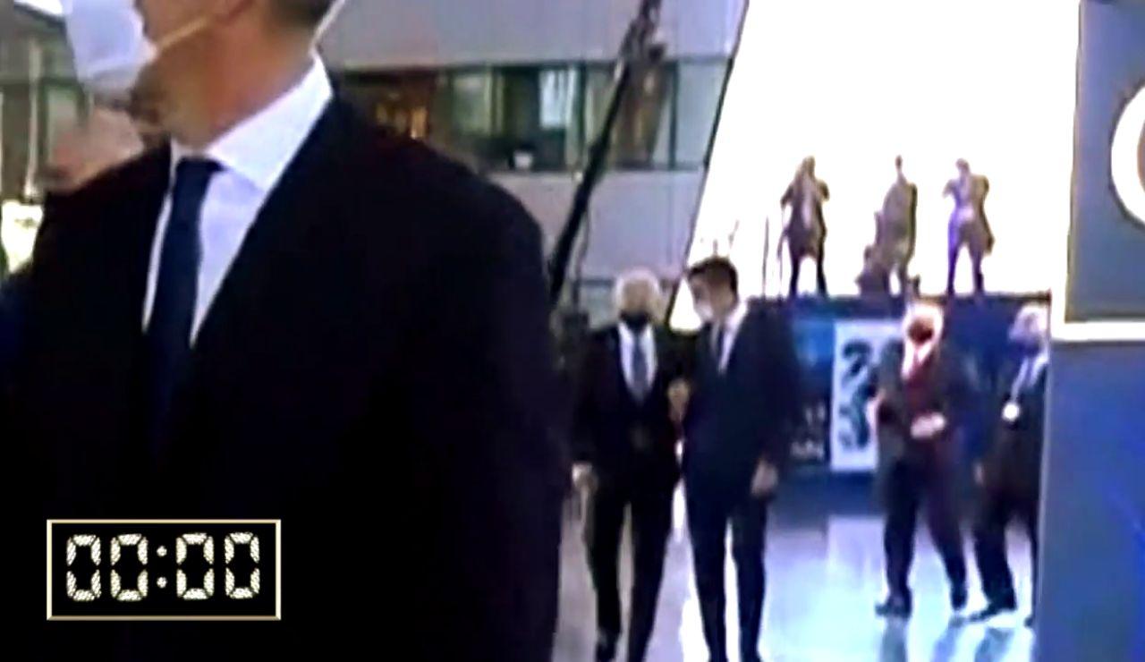 Los 30 segundos de encuentro entre Pedro Sánchez y Joe Biden, en video