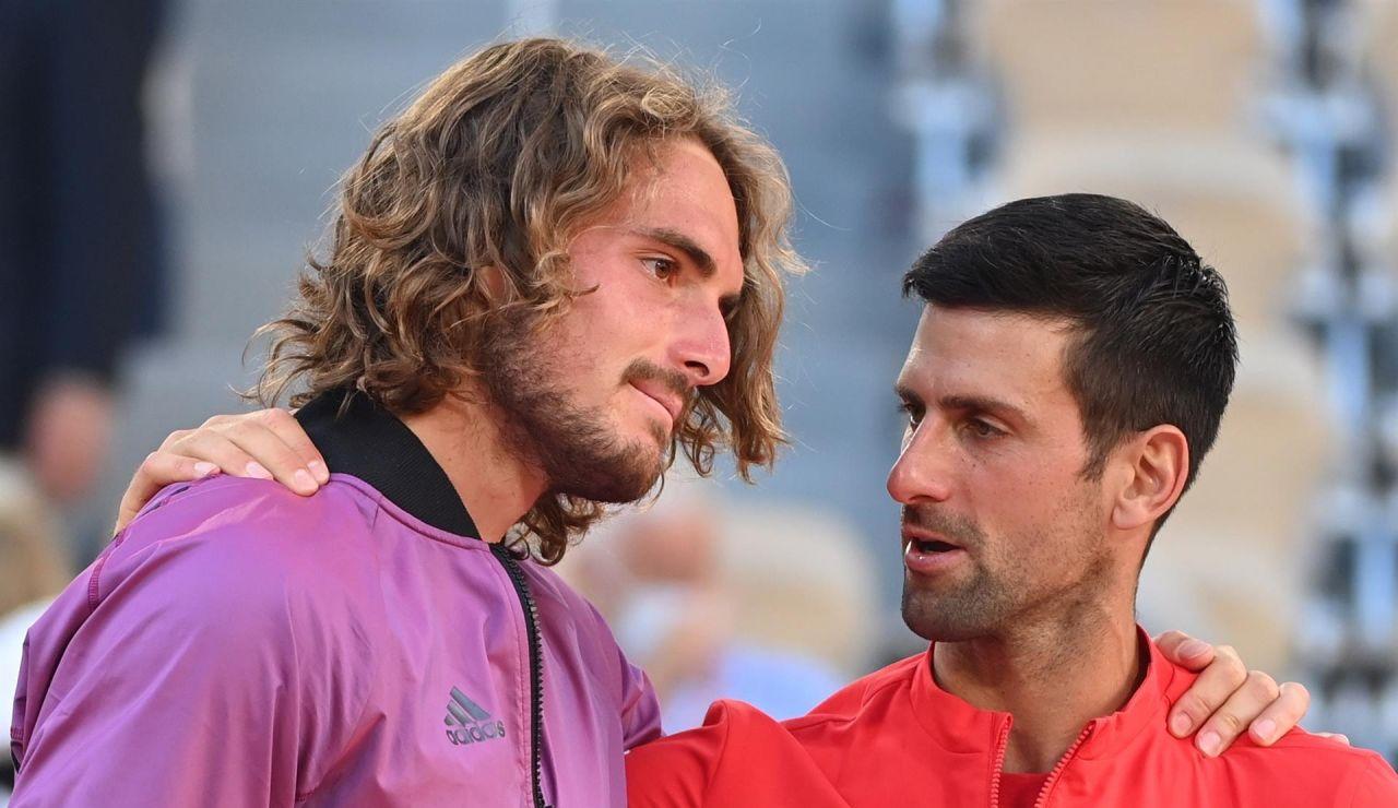 Tsitsipas desvela que su abuela murió 5 minutos antes de la final de Roland Garros