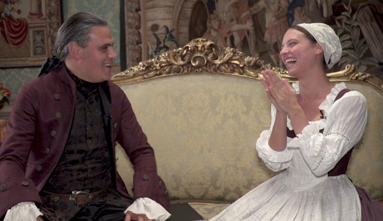 """Roberto Enríquez y Michelle Jenner hablan de su historia de amor en 'La cocinera de Castamar': """"Reconocer que está enamorado de Clara es una catástrofe"""""""
