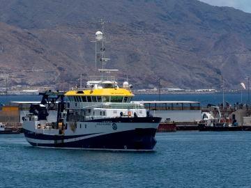 El buque Ángeles Alvariño realiza sus tareas de búsqueda