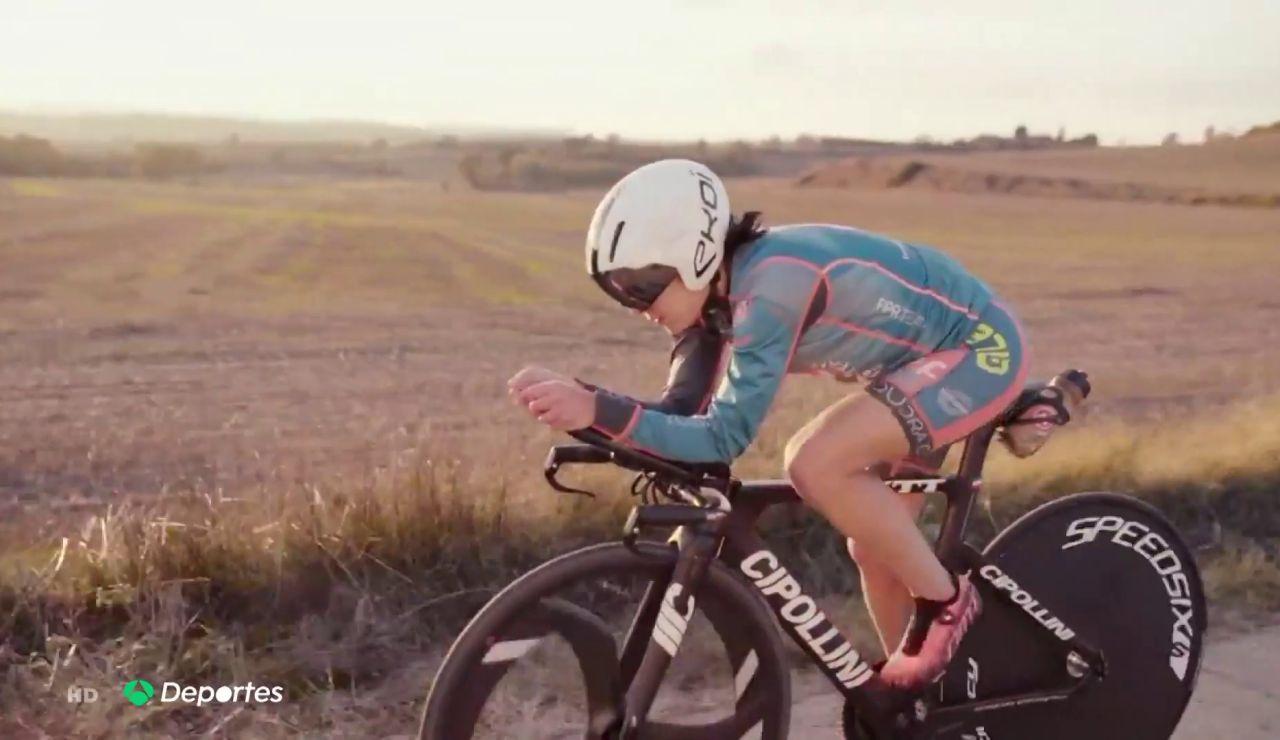 La triatleta Anna Noguera pide ayuda ante su prueba más dura, la displasia de cadera