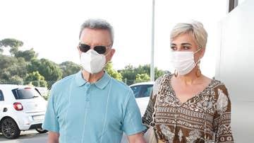 Ortega Cano y su mujer, Ana María Aldón, entrando en el hospital
