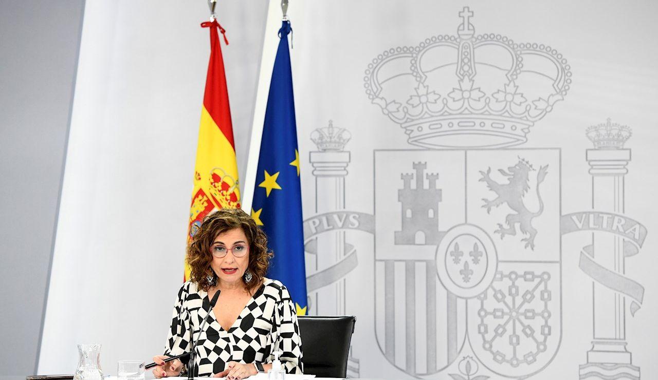 La ministra de Hacienda y portavoz del Gobierno, María Jesús Montero, ofrece una rueda de prensa este martes en el Palacio de la Moncloa en Madrid