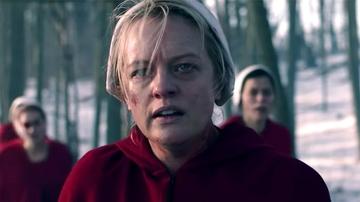 Elisabeth Moss como June en 'El cuento de la criada'