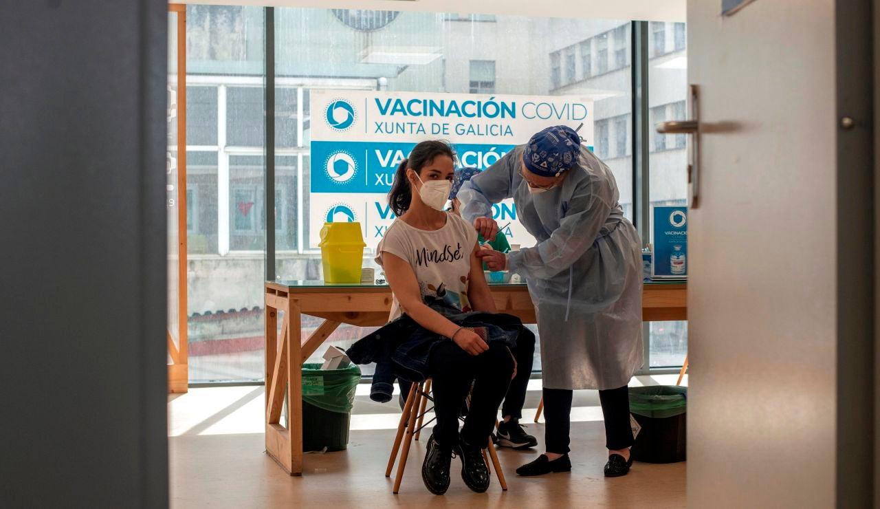 España llega al objetivo de los 15 millones de inmunizados una semana después de lo esperado