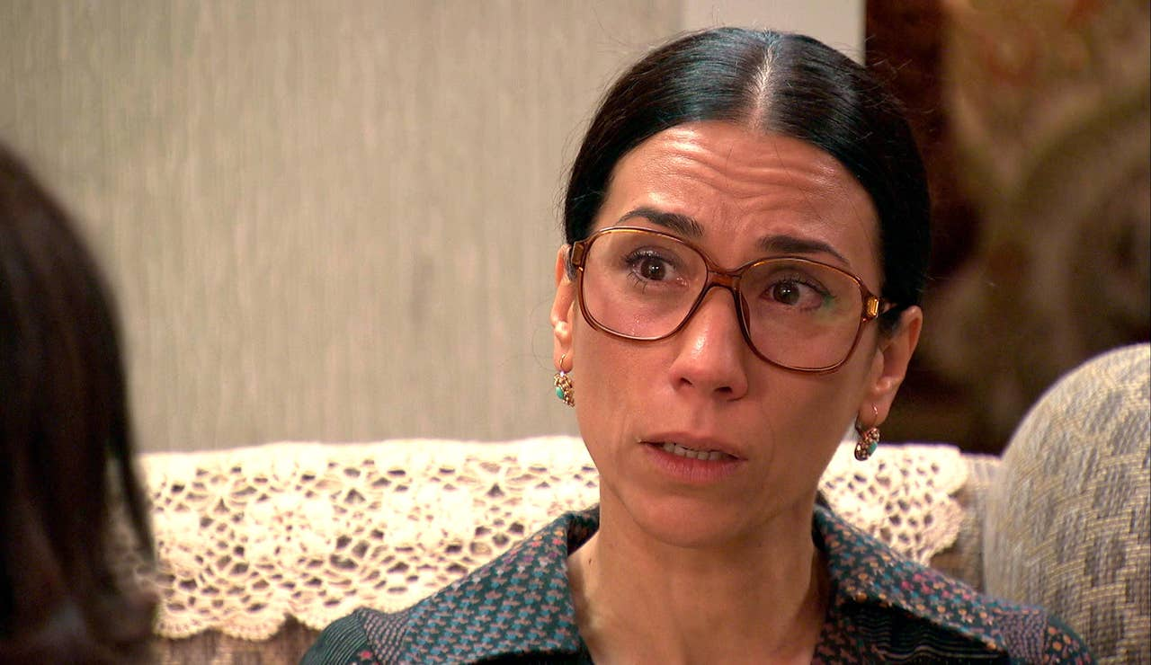 """Manolita confiesa a Cristina su obsesión: """"¿Piensas que estoy loca?"""""""