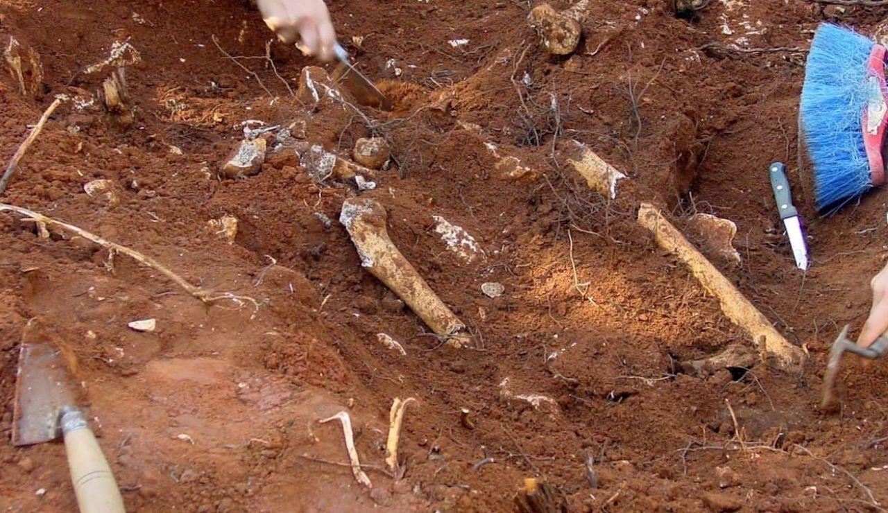 El grupo indígena cowessess, en la provincia de Saskatchewan, en el oeste de Canadá, dijo que ha descubierto las tumbas en los terrenos de la escuela residencial Marieval