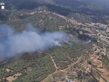 Las imágenes aéreas del incendio de Argentona, en Barcelona
